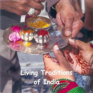 cover image of Living Traditions of India